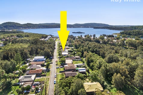 11 Ilumba Ave, Davistown, 2251, Central Coast - House / Immaculate Family Home / Balcony / Garage: 3 / Secure Parking / Floorboards / $690,000