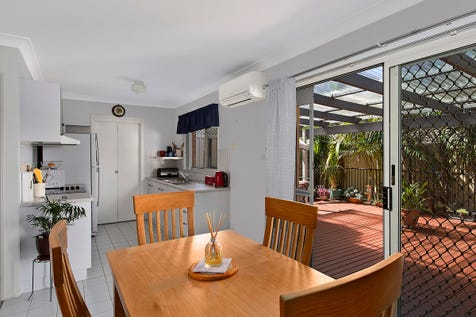 6/236 Cresthaven Avenue, Bateau Bay, 2261, Central Coast - Unit / SPACIOUS AND CONVENIENTLY LOCATED / Garage: 1 / $430,000