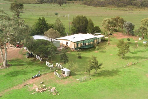 158 Montaza Road, Gulgong, 2852, Central Tablelands - House / YOU CAN SEE FOR MILES AND MILES…….. / Balcony / Carport: 2 / Garage: 2 / Secure Parking / Air Conditioning / Toilets: 2 / $450,000