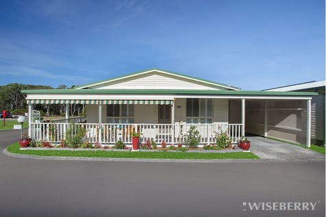 139/25 Mulloway Road, Chain Valley Bay, 2259, Central Coast - House / RETIRE IN STYLE! / Garage: 1 / $280,000