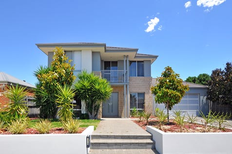 178 Charlottes Vista, Ellenbrook, 6069, North East Perth - House / THE ONLY ONE IN ITS CLASS! / Garage: 2 / Air Conditioning / Alarm System / Toilets: 2 / $739,000