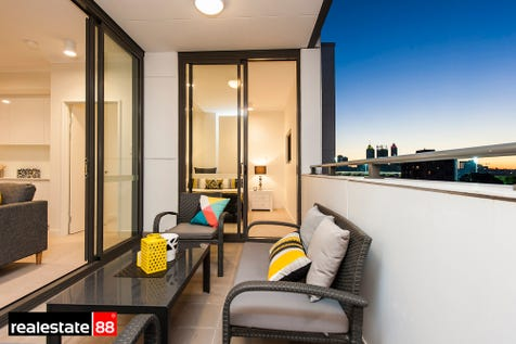 60/288 Lord Street, Highgate, 6003, Perth City - Apartment / Top of the crop on Lord Street & available at a fantastic price! / Balcony / Carport: 1 / Secure Parking / Air Conditioning / Alarm System / $450,000
