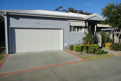 2  Saliena Ave, Lake Munmorah, 2259, Central Coast - Retirement Living / OUTSTANDING HOME ON CORNER BLOCK - RESORT LIVING! / Balcony / Courtyard / Fully Fenced / Outdoor Entertaining Area / Swimming Pool - Inground / Tennis Court / Garage: 2 / Remote Garage / Secure Parking / Broadband Internet Available / Built-in Wardrobes / $390,000