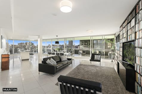 66/2 Hutchinson Walk, Zetland, 2017, Eastern Suburbs - Apartment / MARTIN - THREE BEDROOM PENTHOUSE  / Garage: 2 / $1,650,000