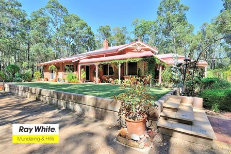 4 Jindalee Pl, Stoneville, 6081, North East Perth - House / Classy! / Swimming Pool - Inground / Toilets: 2 / $835,000