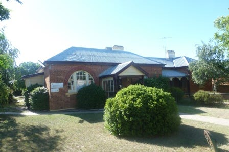 42 Marsden, Boorowa, 2586, Unspecified - House / Boorowa Post Office Residence / Air Conditioning / Toilets: 4 / $500,000