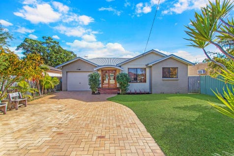 4 Lakedge Avenue, Berkeley Vale, 2261, Central Coast - House / SOMETHING SPECIAL  / Garage: 1 / P.O.A