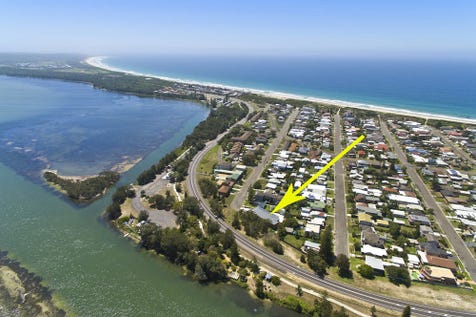6/1 Coogee Ave, The Entrance North, 2261, Central Coast - Unit / Contemporary Beach & Lakeside Unit / Garage: 1 / $360,000