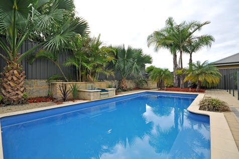 25 Wexcombe Way, Aveley, 6069, North East Perth - House / HOT HOT PRICE REDUCTION!!!!!! LARGE 4 BEDROOM HOUSE WITH POOL / Swimming Pool - Inground / Garage: 2 / Secure Parking / Air Conditioning / Toilets: 2 / $509,000