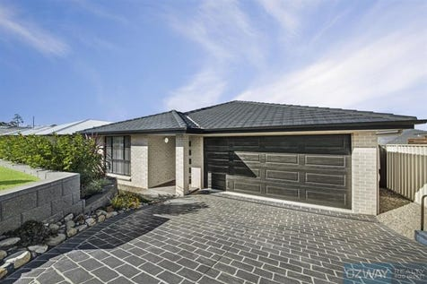 180 Roper Rd, Blue Haven, 2262, Central Coast - House / Immaculate, Luxurious, Modern Residence on 541m2 / Garage: 2 / P.O.A