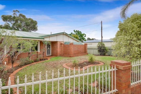 2A Hare Street, Lamington, 6430, East - House / SOMETHING VERY SPECIAL! / Carport: 2 / Air Conditioning / $405,000