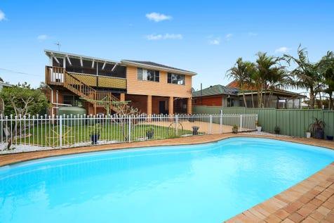22 Papala Ave, Bateau Bay, 2261, Central Coast - House / Large Home on Level Land / Balcony / Swimming Pool - Inground / Garage: 2 / Secure Parking / Toilets: 2 / $770,000