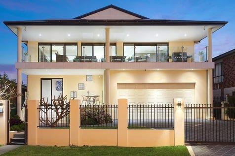 26 Lucinda Avenue, Killarney Vale, 2261, Central Coast - House / Luxury lakeside home  / Carport: 2 / $1,250,000