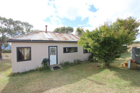 343 Billywillinga Road, Billywillinga, 2795, Central Tablelands - Mixed Farming / PEACEFUL COUNTRY LIVING / Carport: 2 / Garage: 1 / Toilets: 1 / $329,000