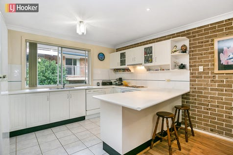 7/54 Frederick Street, Point Frederick, 2250, Central Coast - Townhouse / Gem in a Premier Position / Balcony / Garage: 1 / Air Conditioning / Built-in Wardrobes / Dishwasher / Ensuite: 1 / P.O.A