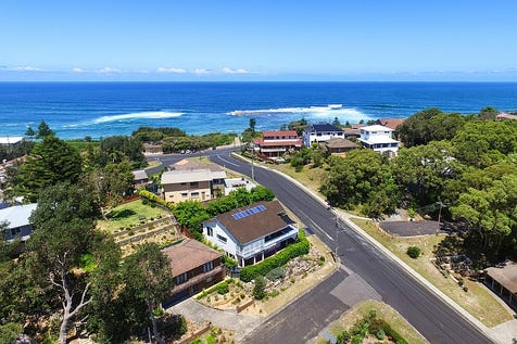 40 Hopetoun Street, Forresters Beach, 2260, Central Coast - House / Sea La Vie / Balcony / Garage: 2 / Open Spaces: 4 / Secure Parking / Air Conditioning / Floorboards / Toilets: 3 / P.O.A