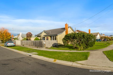 17 Fleming Street, Morwell, 3840, Gippsland - House / CORNER ALLOTMENT / Garage: 2 / $140,000