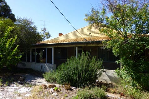 23 Fraser Street, York, 6302, East - House / Renovators Special in Top Location / $249,000