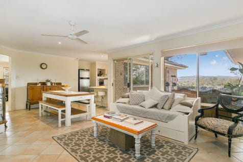 46 Katherine Crescent, Green Point, 2251, Central Coast - House / Exciting Green Point Find! / Deck / Fully Fenced / Outdoor Entertaining Area / Garage: 2 / Built-in Wardrobes / Dishwasher / Rumpus Room / Split-system Air Conditioning / $770,000