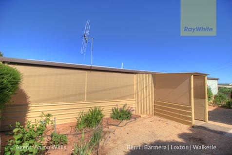 19 Sturt Street, Loxton, 5333, Murraylands - House / Affordable First Home, Cosy Downsizer or AMAZING Investment / Carport: 2 / Toilets: 1 / $90,000
