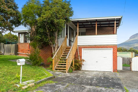 2 Anderson Street, Glenorchy, 7010, Central Hobart - House / Views and space for the larger family / Open Spaces: 2 / Air Conditioning / Toilets: 1 / $395,000