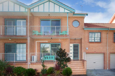 2/86 Hutton Road, The Entrance North, 2261, Central Coast - Townhouse / BETWEEN OCEAN & LAKE - SPACIOUS 2 BEDROOM + STUDY / Balcony / Courtyard / Deck / Outdoor Entertaining Area / Garage: 1 / Remote Garage / Built-in Wardrobes / Split-system Air Conditioning / Study / $500,000