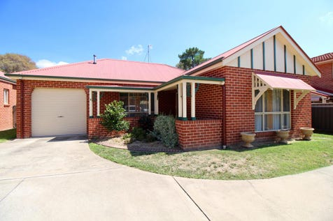 4/67 Rocket Street, Bathurst, 2795, Central Tablelands - Villa / FREE-STANDING & CENTRAL / Courtyard / Fully Fenced / Garage: 1 / Remote Garage / Air Conditioning / Built-in Wardrobes / Toilets: 1 / $349,000