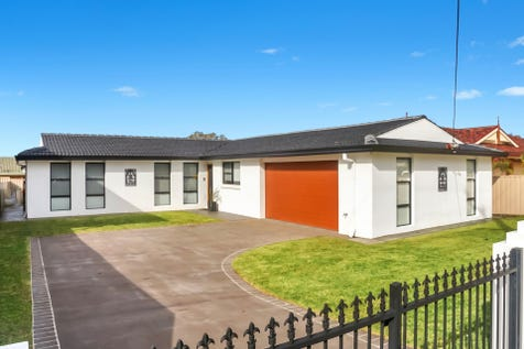 6 Watkins Street, Long Jetty, 2261, Central Coast - House / LOCATION LOCATION LOCATION!! DOWNSIZERS TAKE NOTE! / Shed / Garage: 2 / Remote Garage / Built-in Wardrobes / Dishwasher / Workshop / Ensuite: 1 / Toilets: 2 / $790,000