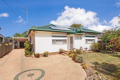 13 Pratley Street, Woy Woy, 2256, Central Coast - House / IMMACULATE HOME SET ON 708SQM!! / Garage: 2 / Toilets: 2 / $649,000