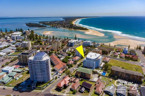 36/2-8 Ozone Street, The Entrance, 2261, Central Coast - Unit / Possibly the Largest Apartment in The Entrance / Balcony / Deck / Outdoor Entertaining Area / Swimming Pool - Inground / Garage: 1 / Secure Parking / Built-in Wardrobes / Ensuite: 1 / $595,000
