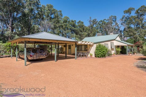 190 Carson Street, Stoneville, 6081, North East Perth - House / BACK TO THE FUTURE / Carport: 2 / Toilets: 2 / $599,000