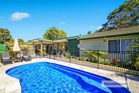 13 Kingsley Avenue, Woy Woy, 2256, Central Coast - House / 2 HOMES - 1 BLOCK - THE KING OF KINGSLEY / Swimming Pool - Inground / Carport: 1 / Air Conditioning / Floorboards / Toilets: 3 / $930,000