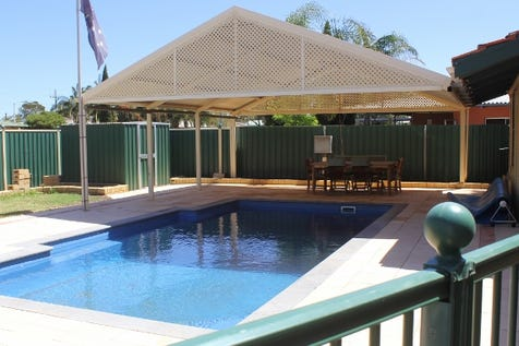 32 Pittosporum Street, Kambalda West, 6442, East - House / Summer Entertainer! / Swimming Pool - Inground / Carport: 1 / Garage: 1 / Air Conditioning / Toilets: 1 / $210,000