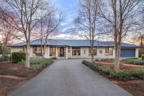 6 Lincoln Close, Chapman, 2611, Weston Creek - Greater Region - House / Luxury unleashed / Garage: 2 / Air Conditioning / Ensuite: 1 / P.O.A