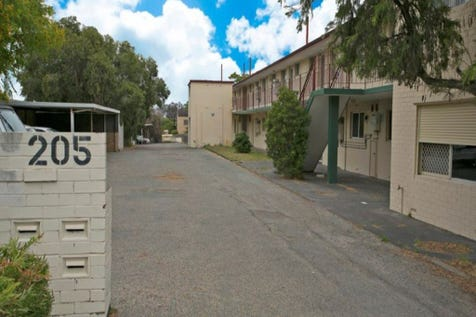 14/205 North Beach Drive, Tuart Hill, 6060, North East Perth - Unit / WELL LOCATED UNIT! / Carport: 1 / $219,000