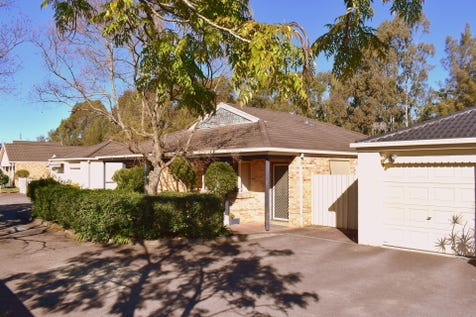 54 Green Close, Mardi, 2259, Central Coast - Townhouse / CONVENIENTLY LOCATED / Courtyard / Fully Fenced / Outdoor Entertaining Area / Garage: 1 / Secure Parking / $490,000