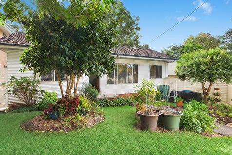 49 Berrys Head Road, Narara, 2250, Central Coast - House / Charming living room with gorgeous ornate ceilings / Garage: 1 / $520,000