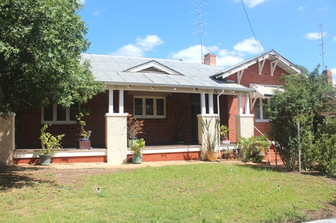 12 Gerald Tce, Northam, 6401, East - House / This Property Should Be On Your List / Carport: 2 / Garage: 2 / Floorboards / Toilets: 1 / $249,500