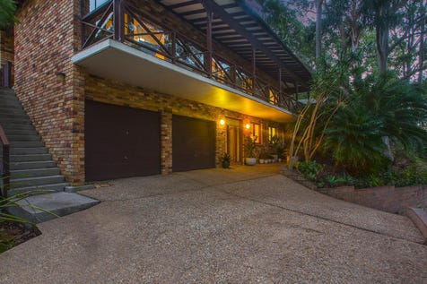 77 Patrick Street, Avalon Beach, 2107, Northern Beaches - House / Family residence capturing idyllic bay views / Carport: 3 / $1,430,000