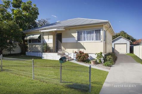 5 Pearce Avenue, Toukley, 2263, Central Coast - House / LOCATION LOCATION / Garage: 1 / $480,000