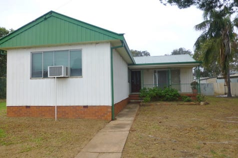 1 Woodward Street, Parkes, 2870, Central Tablelands - House / This Home Has Potential / Toilets: 1 / $125,000