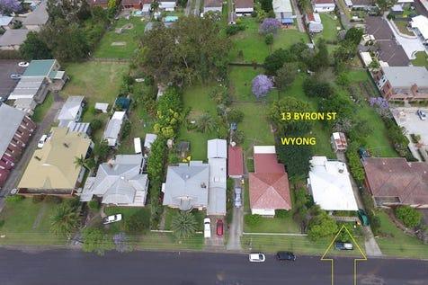 13 Byron St, Wyong, 2259, Central Coast - House / Development Opportunity 1416m2 R3 Medium Density Residential / Garage: 2 / $950,000