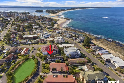 1/2 The Crescent, Blue Bay, 2261, Central Coast - Townhouse / Ocean Breeze Location / Garage: 1 / Open Spaces: 1 / Built-in Wardrobes / Living Areas: 1 / Toilets: 2 / $585,000
