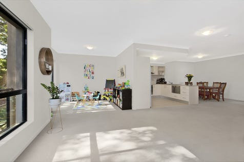 7/18-24 Battley Avenue, The Entrance, 2261, Central Coast - Unit / Awesome Aspect & Amazing Space / Garage: 1 / $399,000