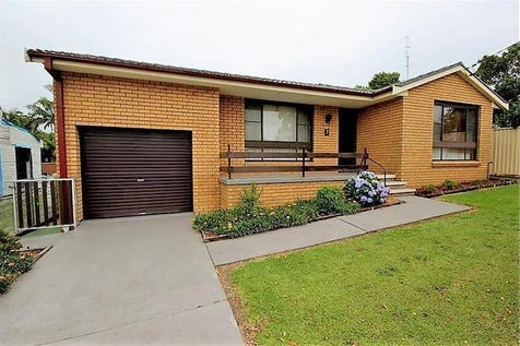 7  Yearnin Street, Gwandalan, 2259, Central Coast - House / Low Maintenance Gem With Prime Potential / Garage: 2 / Open Fireplace / $475,000