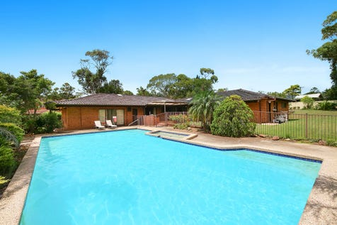 7 Friendship Close, Bateau Bay, 2261, Central Coast - House / Spacious Family Home & Development Oppotunity / Garage: 3 / Secure Parking / Air Conditioning / Toilets: 4 / $895,000