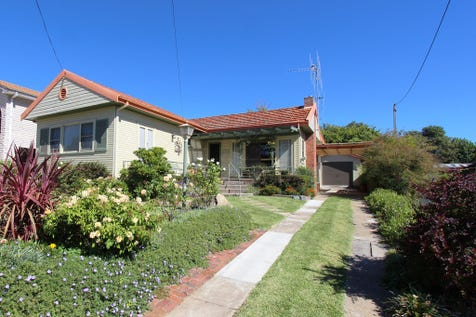 183 Seymour Street, Bathurst, 2795, Central Tablelands - House / FIRST TIME EVER OFFERED / Carport: 1 / Garage: 1 / Air Conditioning / Toilets: 2 / P.O.A