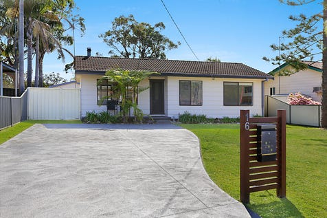 16 Kangaroo Avenue, Lake Munmorah, 2259, Central Coast - House / HOME SWEET HOME / Garage: 1 / Open Spaces: 2 / Secure Parking / Air Conditioning / Toilets: 1 / $460,000