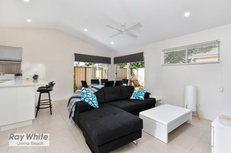 1 Korina Avenue, Umina Beach, 2257, Central Coast - House / 2 BEDROOM HOUSE WITH 2 BEDROOM CABIN IN SOUTH UMINA! / Balcony / Carport: 2 / Secure Parking / Air Conditioning / Floorboards / $790,000