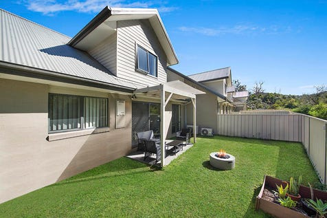 3/5 Prings Road, Niagara Park, 2250, Central Coast - Townhouse / Light Filled Townhouse / Garage: 2 / Air Conditioning / Built-in Wardrobes / Dishwasher / Ensuite: 1 / P.O.A